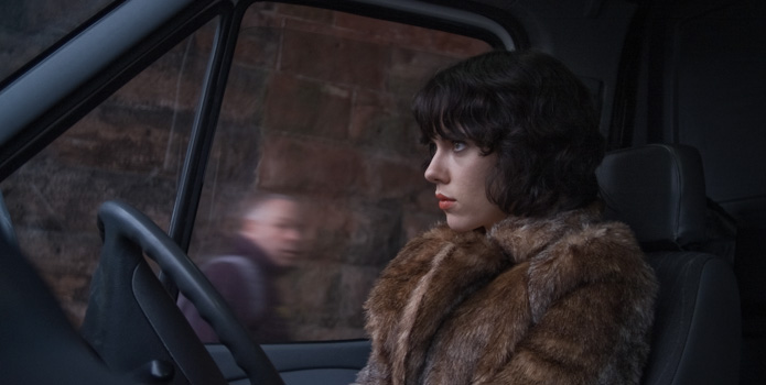 undertheskin_01
